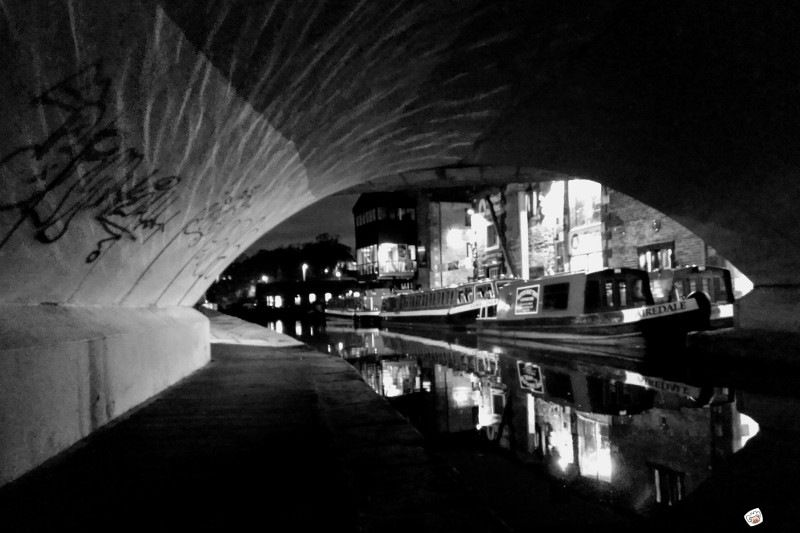 skipton night canal